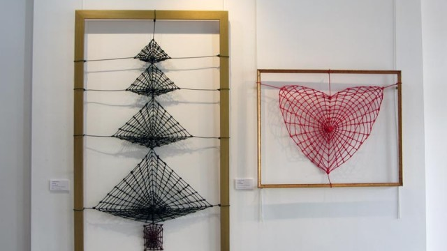 Christmas Tree & Red Heart Webs